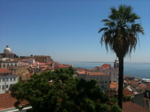 Alfama_Largo_das_Portas_do_Sol