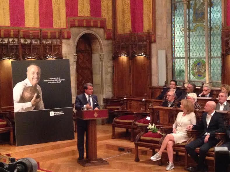 Homenatge a Johan Cruyff a l'Ajuntament de Barcelona